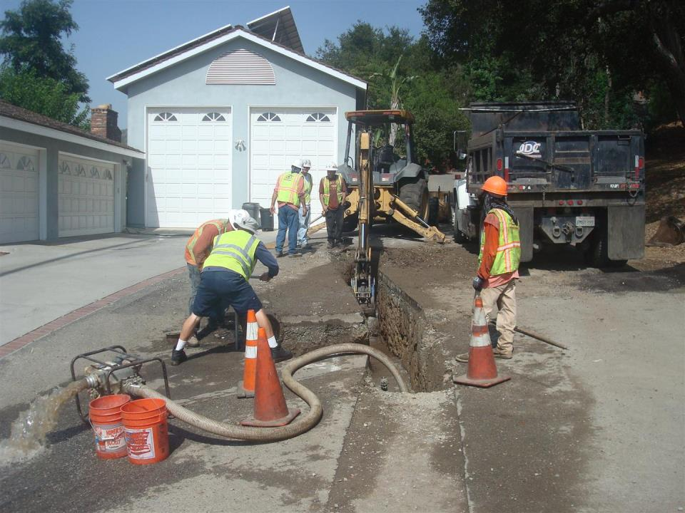 CIP 8-inch water main replacement in Pennsylvania Lane
