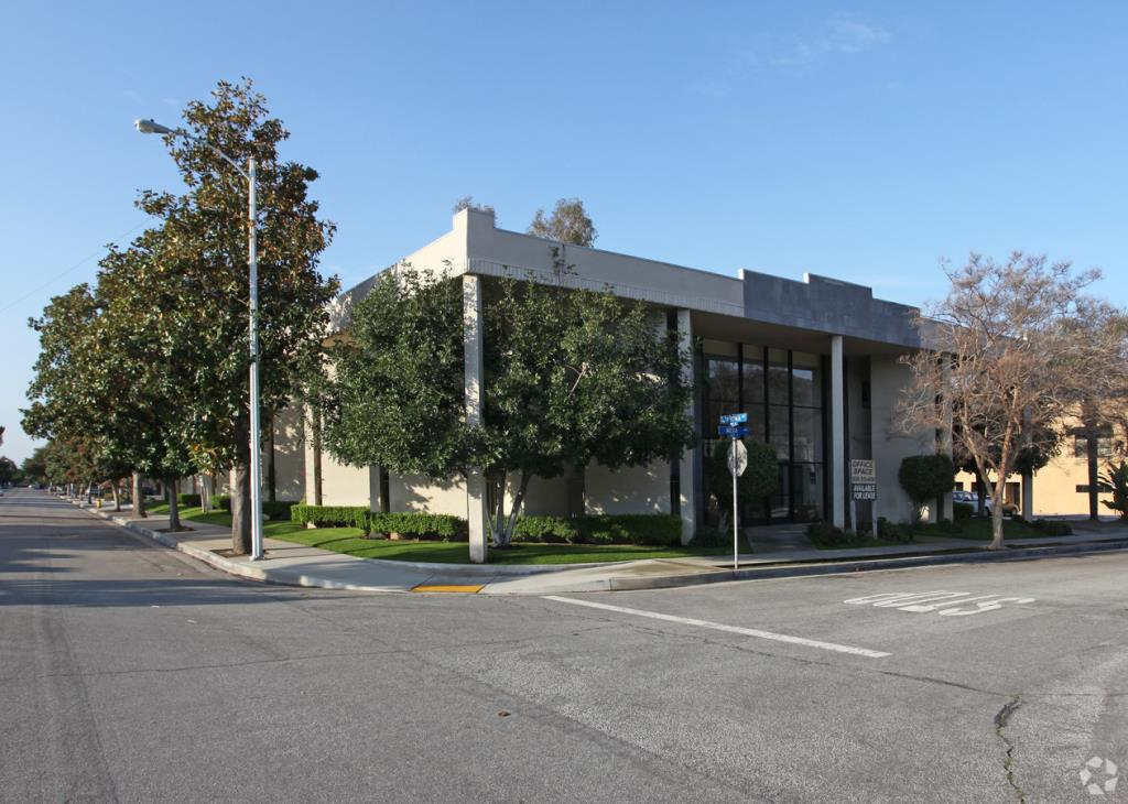 Image for available property at 150 E. Meda Ave